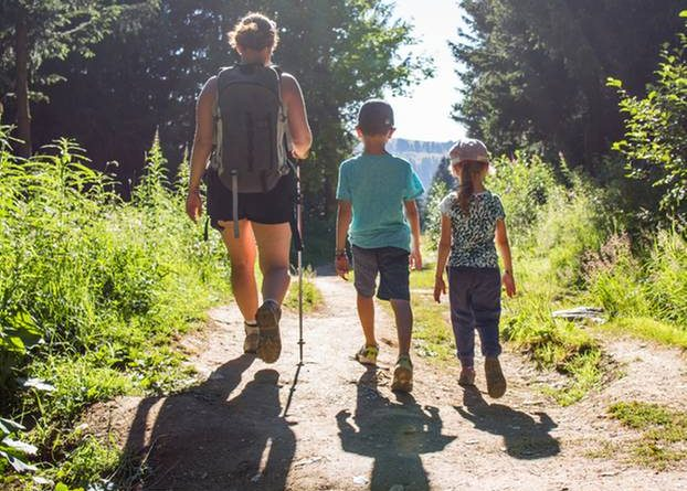 Hiking with children: tips and tours