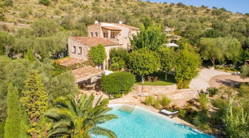 The 10 most beautiful holiday homes for couples in Europe!