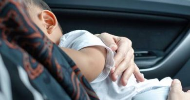 100 Euro penalty! Policeman misses breastfeeding mother in the ca